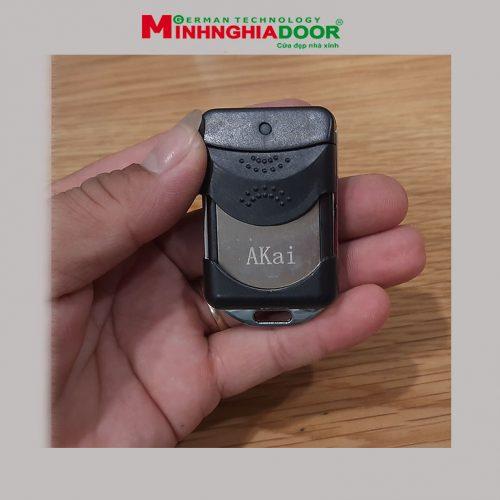 Remote Cua Cuon Akai